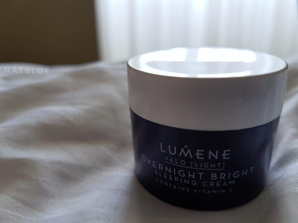 Lumene, krem z witaminą C na noc, Overnight Britght Vitamin C Sleeping Cream, linia VALO
